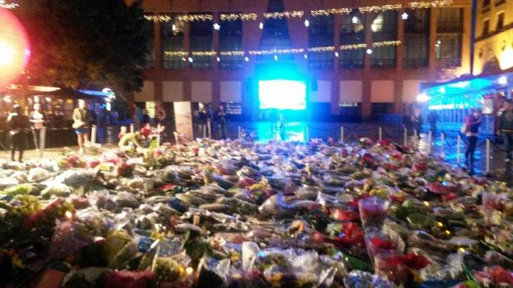 Flowers & candles for Tata Madiba at Nelson Mandela Square