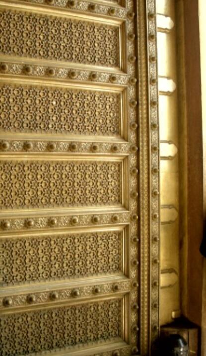 Intricate carvings on a door in Jaipur