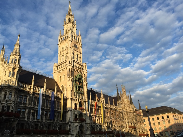 The majestic town hall at Marienplatz